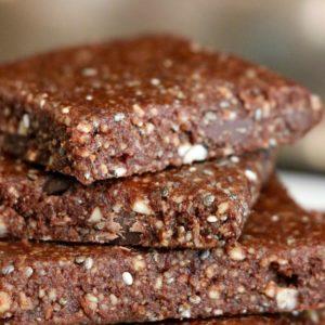5 minute chocolate date energy bars