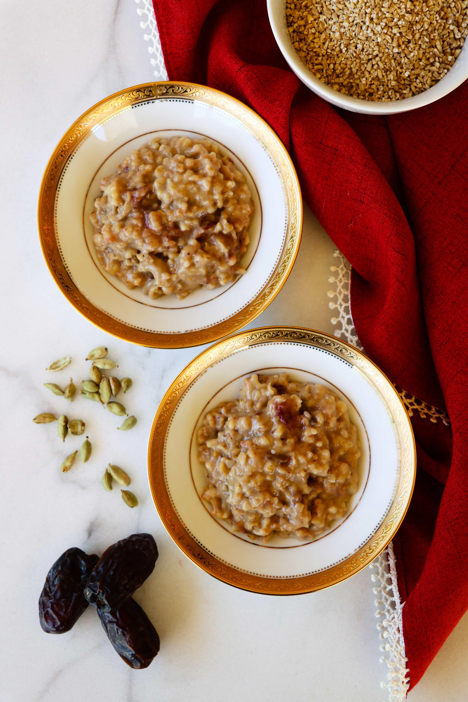 date sweetened slow cooker steel cut oats