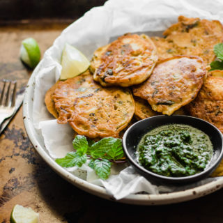 Healthy Pan-Fried Pakora + Simple Green Chutney